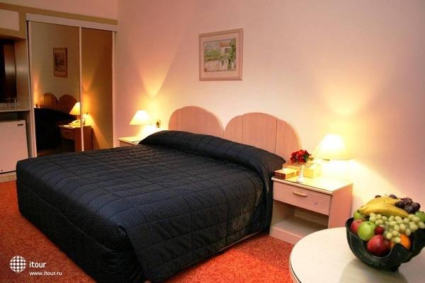 Ramee Guestline Hotel Al Riqqa 3