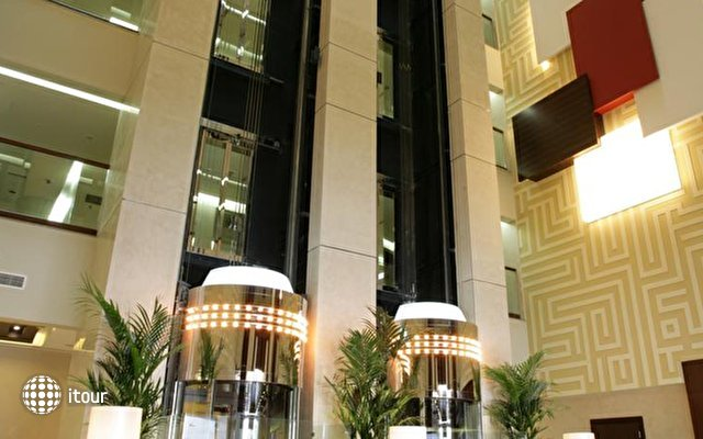 Auris Plaza Hotel Al Barsha 3