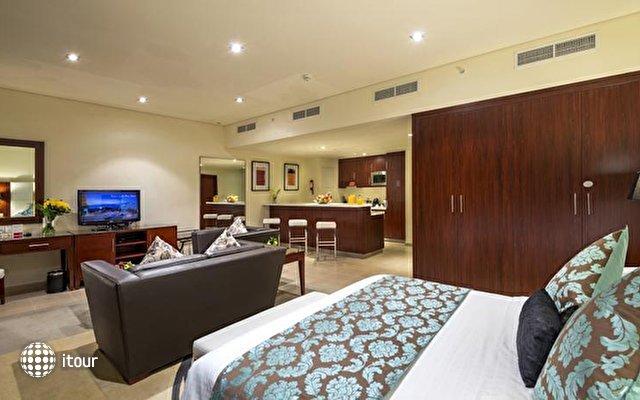 Ramada Plaza Jumeirah Beach Residence 3
