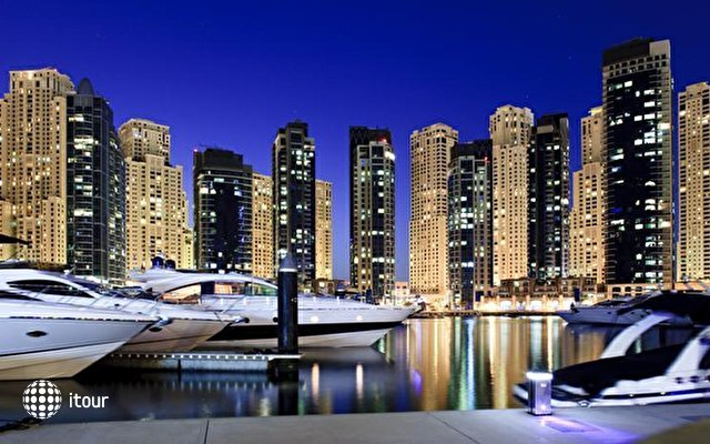 Ramada Plaza Jumeirah Beach Residence 9