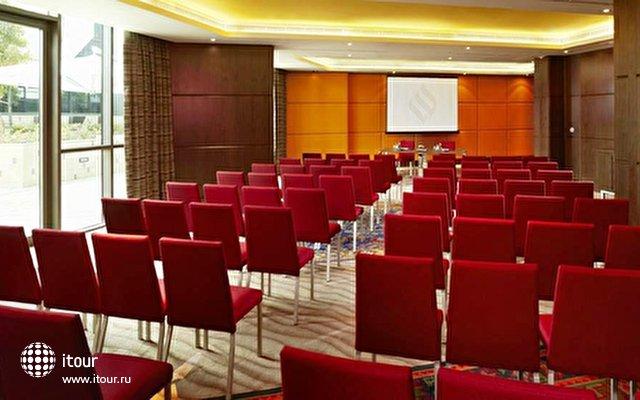 Jumeirah Creekside Hotel 9
