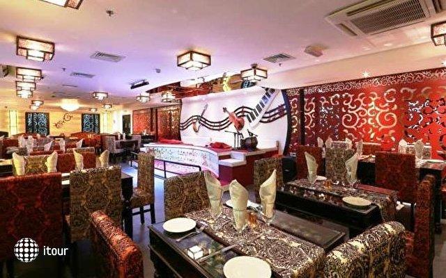 Howard Johnson Bur Dubai 9