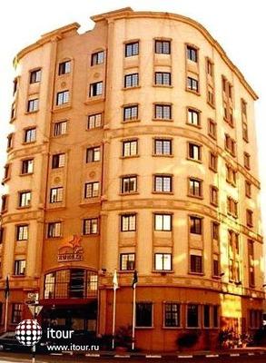 Eureka Hotel 6