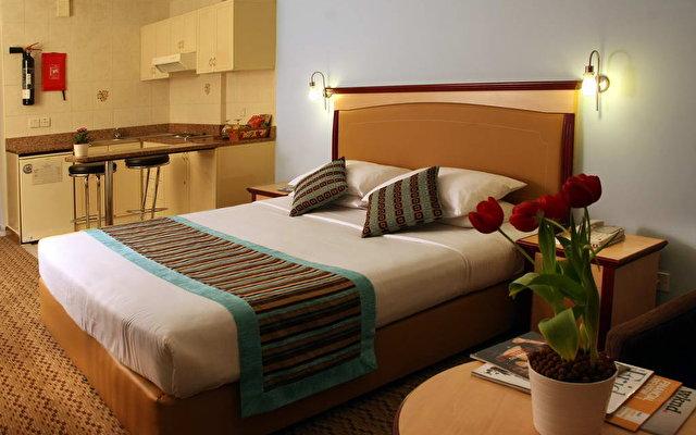 Flora Hotel Apartments 4