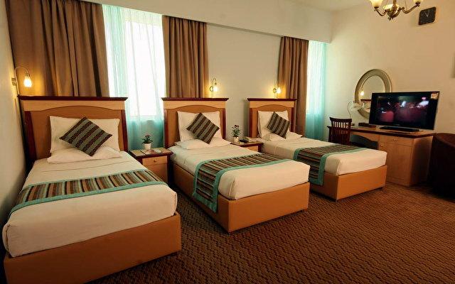 Flora Hotel Apartments 7