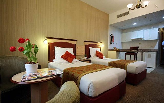 Flora Hotel Apartments 8