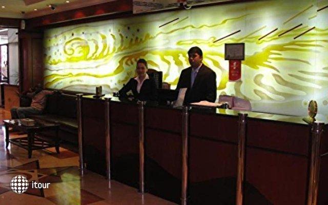 Sandras Inn Hotel 7