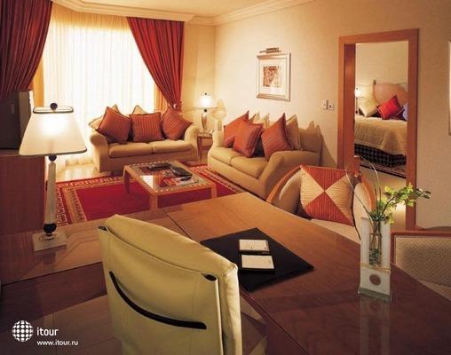 Fairmont Dubai 9