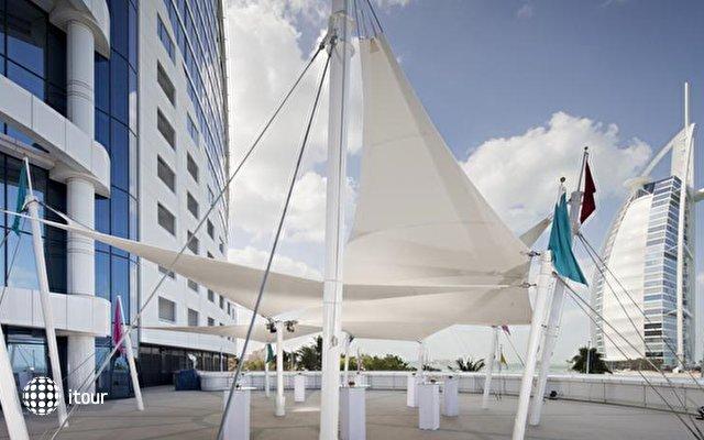 Jumeirah Beach Hotel 3