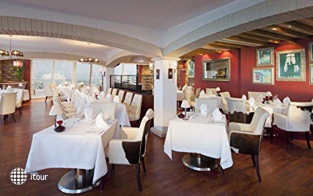 Jumeirah Beach Hotel 4