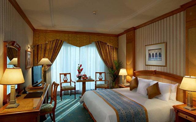 Carlton Palace Hotel (ex. Metropolitan Palace Hotel) 7