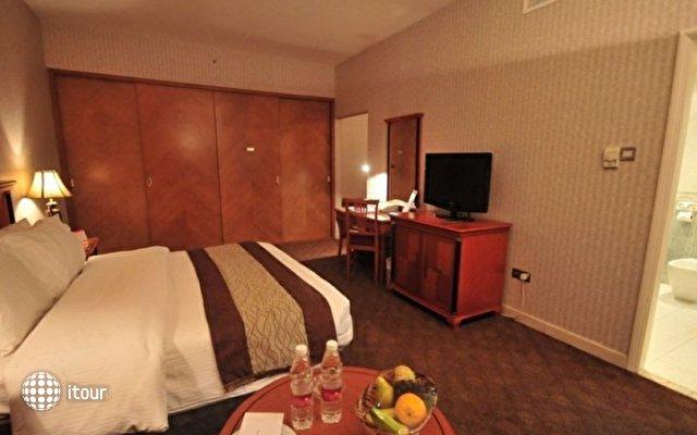 Ramada Continental Hotel 5