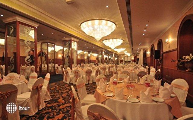 Ramada Continental Hotel 8