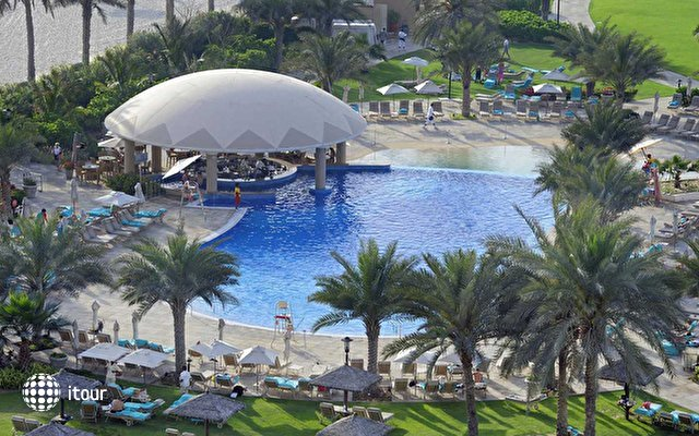 Le Royal Meridien Beach Resort & Spa 2