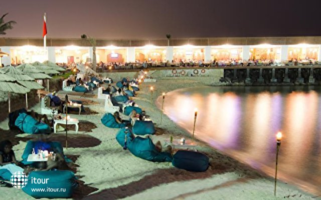 Dubai Marine Beach Resort & Spa 7