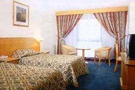 Le Baron Hotel 6