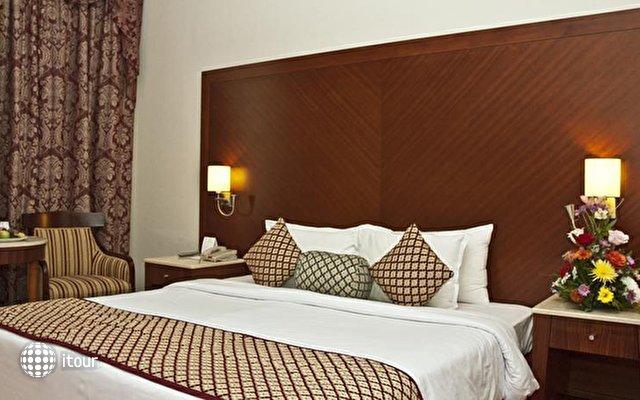 Regent Palace Hotel 7