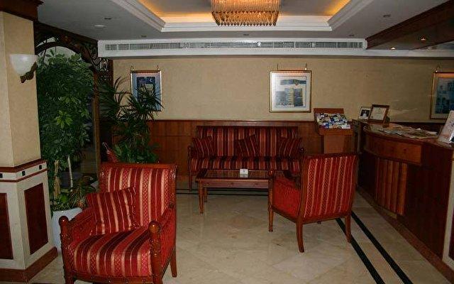 Riviera Hotel 4