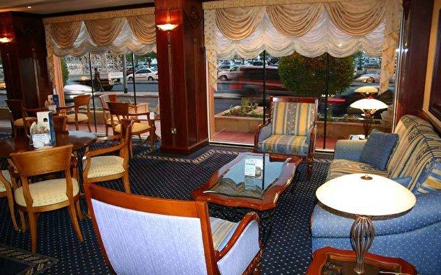 Riviera Hotel 6