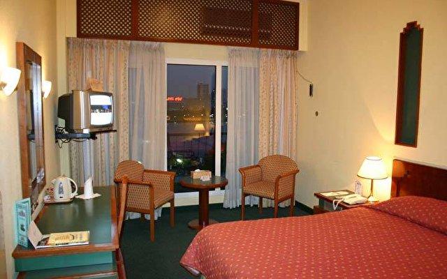 Riviera Hotel 8
