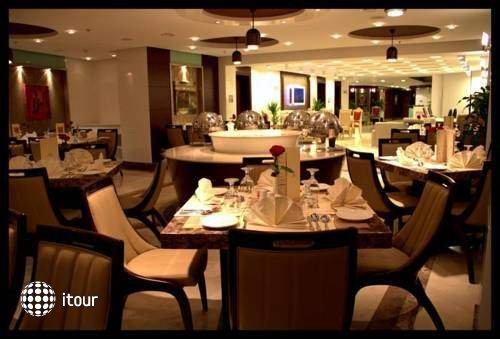 Sun & Sands Hotel 6