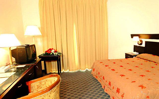 Claridge Hotel 2