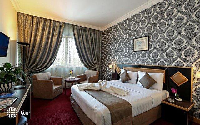 Jonrad Hotel 5