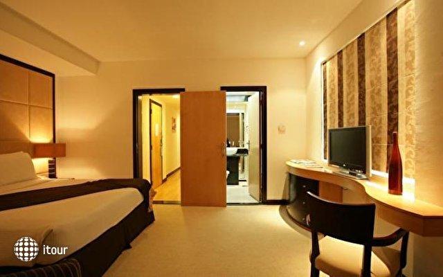 Savoy Suites Hotel Apartment 7