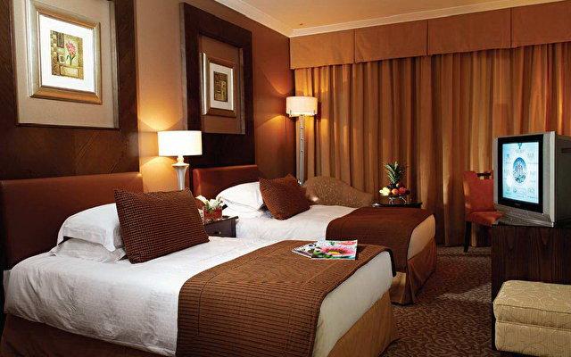 Al Murooj Rotana Hotel & Suites Dubai 2