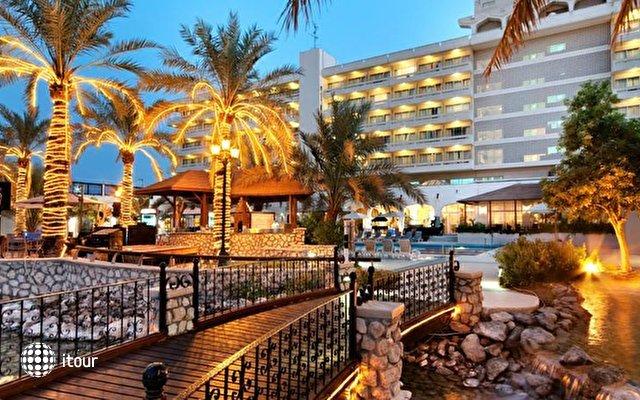 Hilton Al Ain 3