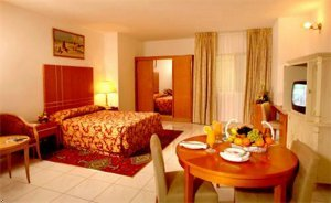 Golden Tulip Dalma Suites 9