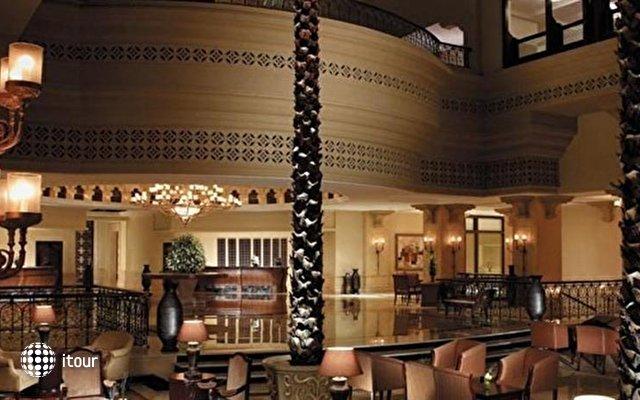 Shangri-la Hotel Qaryat Al Beri 6