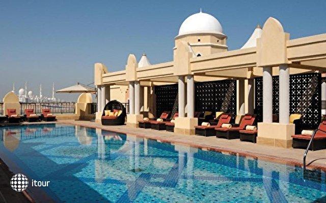 Shangri-la Hotel Qaryat Al Beri 3