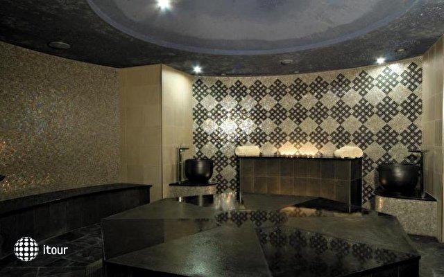 Shangri-la Hotel Qaryat Al Beri 9
