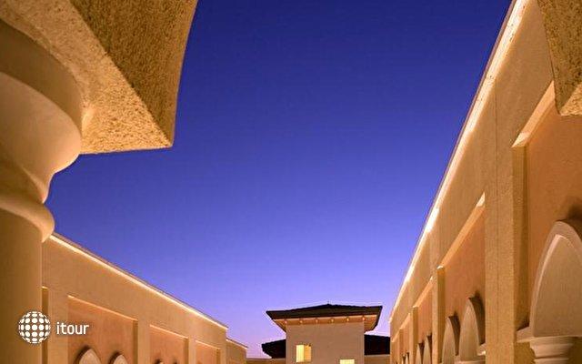 Shangri-la Hotel Qaryat Al Beri 10