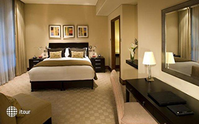 Shangri-la Hotel Qaryat Al Beri 4