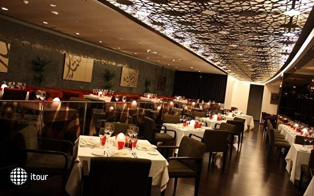 Crowne Plaza Abu Dhabi Yas Island 9