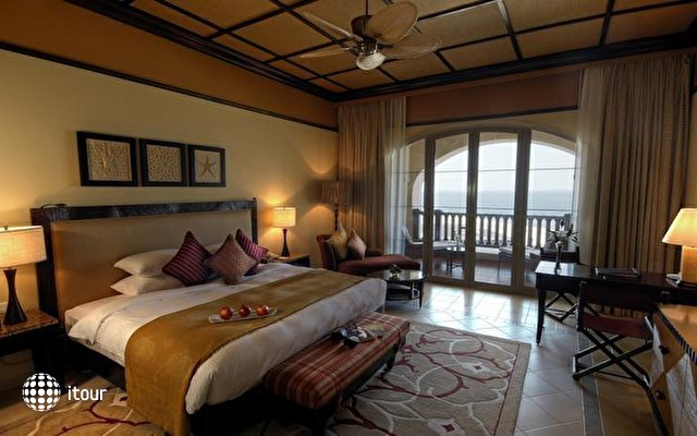 Desert Islands Resort & Spa By Anantara 5