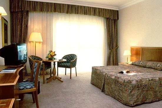 Sheraton Khalidiya Hotel 4