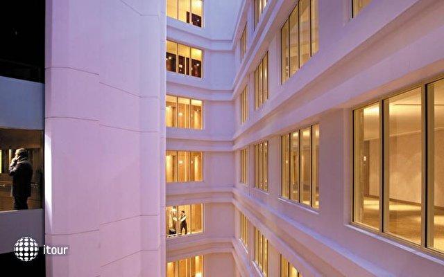 Traders Hotel Qaryat Al Beri 6