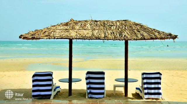 Dhafra Beach 2
