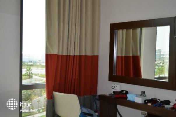 Staybridge Suites Abu Dhabi Yas Island 8