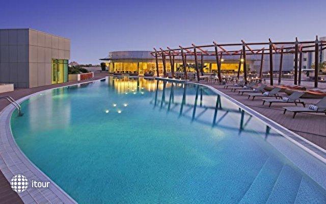 Hilton Capital Grand Abu Dhabi 5