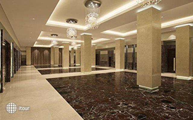 Hilton Capital Grand Abu Dhabi 9