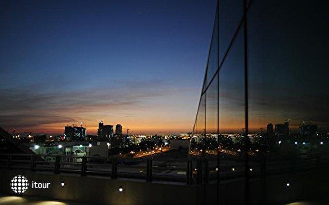 Hilton Capital Grand Abu Dhabi 3