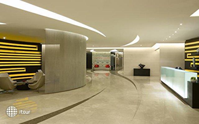 Hilton Capital Grand Abu Dhabi 6