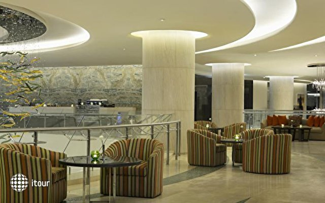 Hilton Capital Grand Abu Dhabi 10