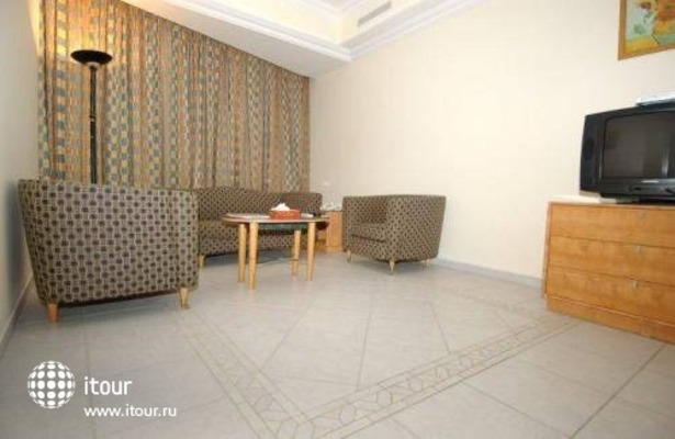 Euro Hotel Apartments 5