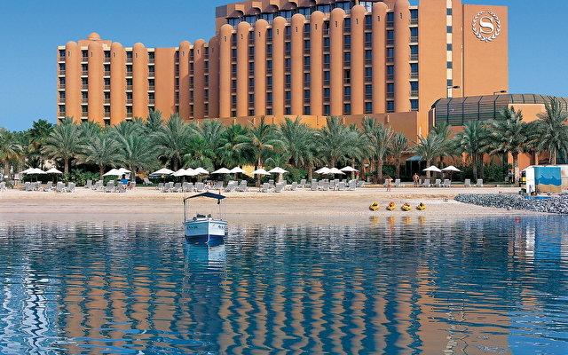 Sheraton Abu Dhabi Resort & Hotel 1