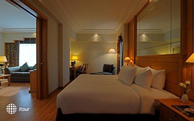 Crowne Plaza Hotel 3
